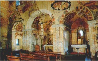 Vista interior de los ábsides desde el transepto